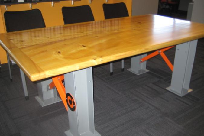 Meeting table in reclaimed wood and steel